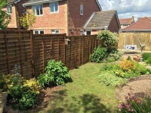 waney overlap larchlap standard fence panels